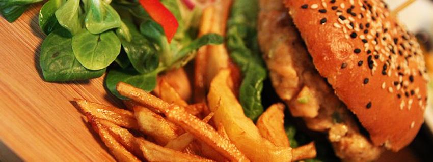 Rezept für veganen Veggie-Burger aus Gemüse und Hülsenfrüchten