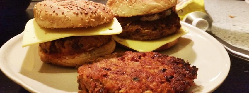 Rezept: Der vegane 5-Minuten Burger-Bratling aus Kidneybohnen!